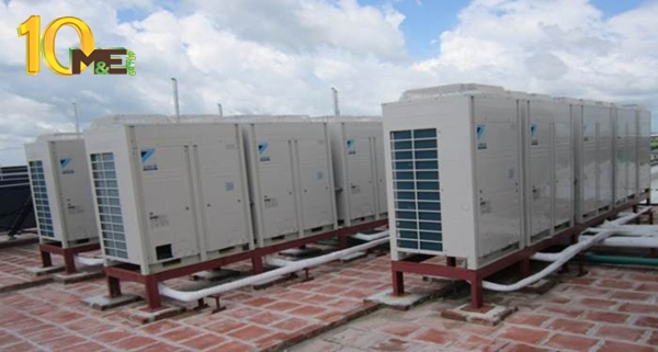 Việc vệ sinh hệ thống thông gió, miệng gió giúp máy lạnh công nghiệp mát hơn