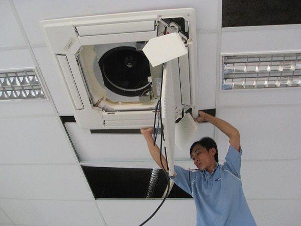 Hướng dẫn cách vệ sinh máy lạnh âm trần chi tiết